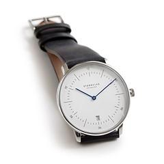 Sternglas: Zeitmesser Bauhaus Weißes Ziffernblatt mit schwarzem Band