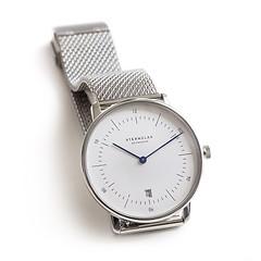 Sternglas: Zeitmesser Bauhaus Weißes Ziffernblatt mit Milanaiseband