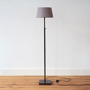 Verstellbare Stehleuchte 120-168 cm