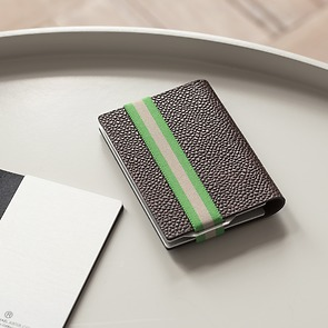 Q7 Wallet Braun mit grün gestreiftem Band