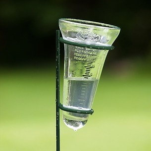 Regenmesser aus Glas