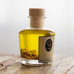 Olivenöl mit weißem Piemonttrüffel