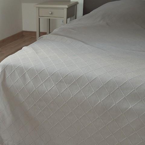 Torquato Bettüberwurf Rauten 180 x 260 cm Weiß