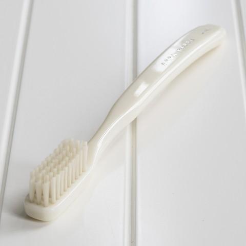 Acca Kappa Zahnbürste Nylon Medium Weiß