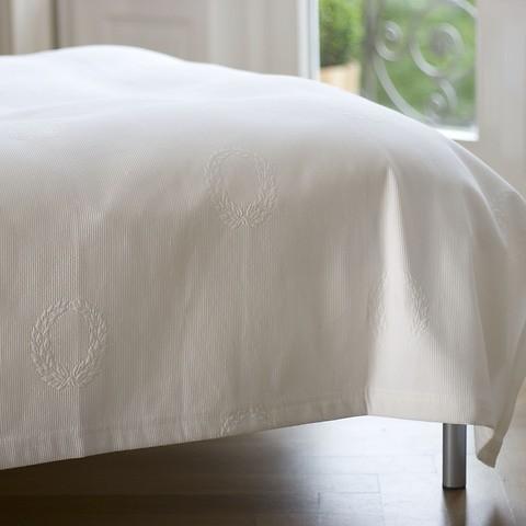 Torquato Bettüberwurf Kränze Weiß