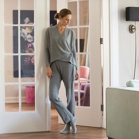Sunday in Bed Cashmere-Hose Ulla