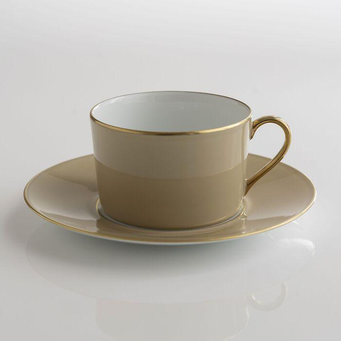 Porcelaine de Limoges Tasse mit Untertasse Beige