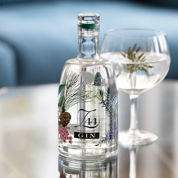 Roner Z44 Distilled Dry Gin