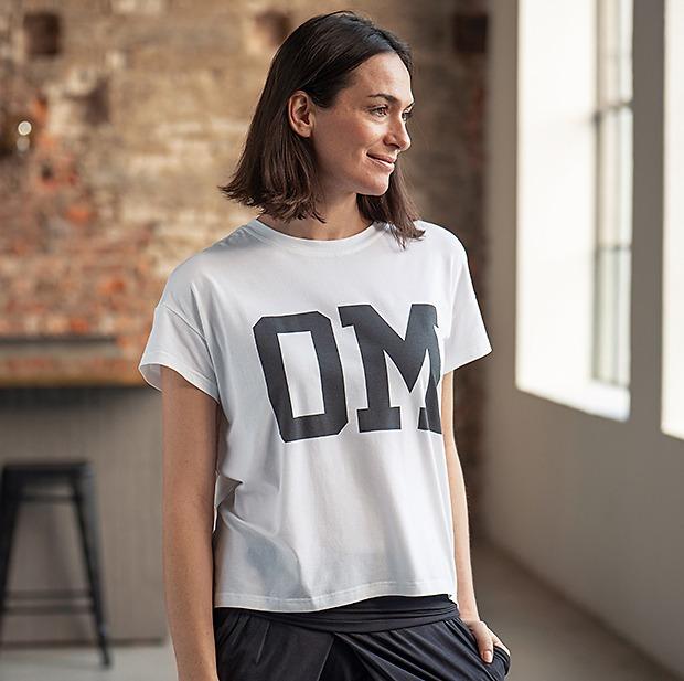 Sunday in Bed Yogashirt Amie